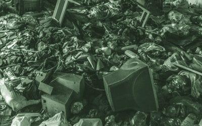 O lixo eletrônico colocado nas lixeiras de rua